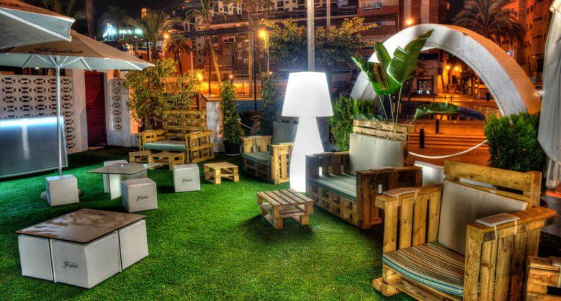Césped artificial en restaurantes y terrazas