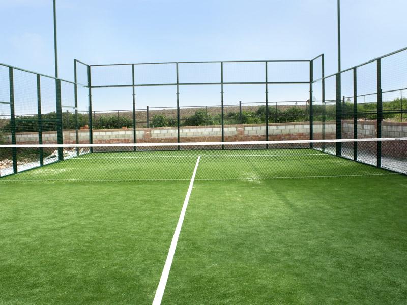 césped artificial para uso deportivo: pádel, fútbol